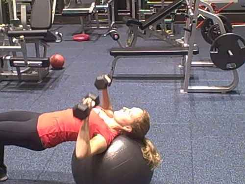 ball chest press2