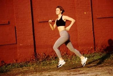 woman running sprints